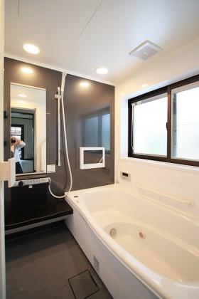 テレビ付浴室